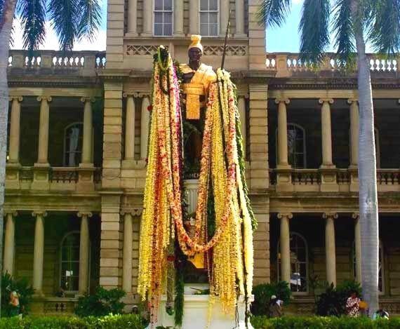 スライド写真 ハワイの像
